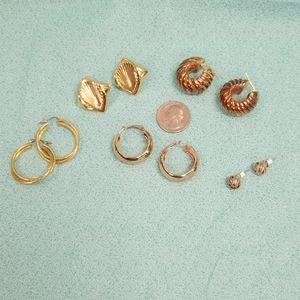 Lot of costume earrings